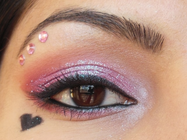 Eyes-O-Mania- Valentine Day Inspired Heart Eye Makeup