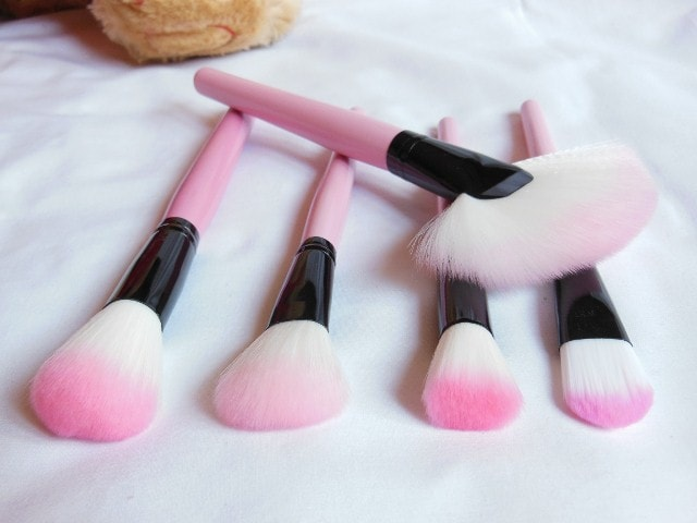 TMart 22 Piece Brush Set Face Makeup Brushes