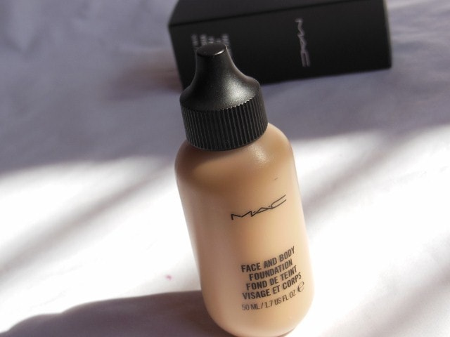 MAC Foundation - Face and Body C4