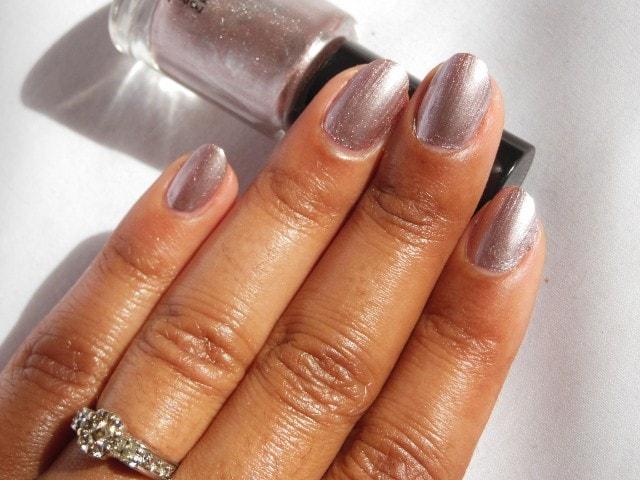 Oriflame very Me Metallic Nail Paint Pink Pearl NOTD