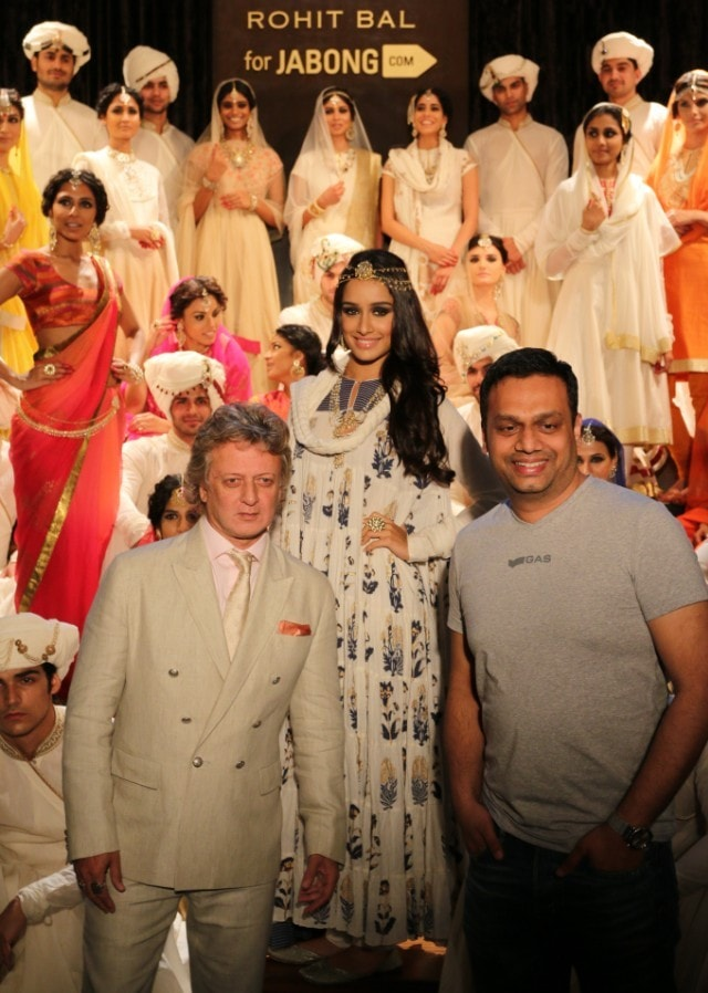 Rohit Bal, Shraddha Kapoor and Arun Chandra Mohan - Founder & CEO, Jabong.com at the launch of Rohit Bal for Jabong.com collection in Mumbai - 2