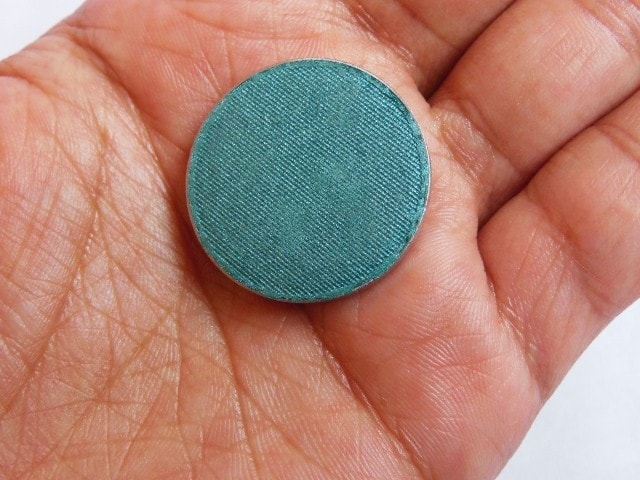 Faces Canada Single Eye Shadow Turquoise Blue Review