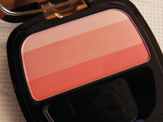 L'Oreal Lucent Magique Blush - Blushing Kiss