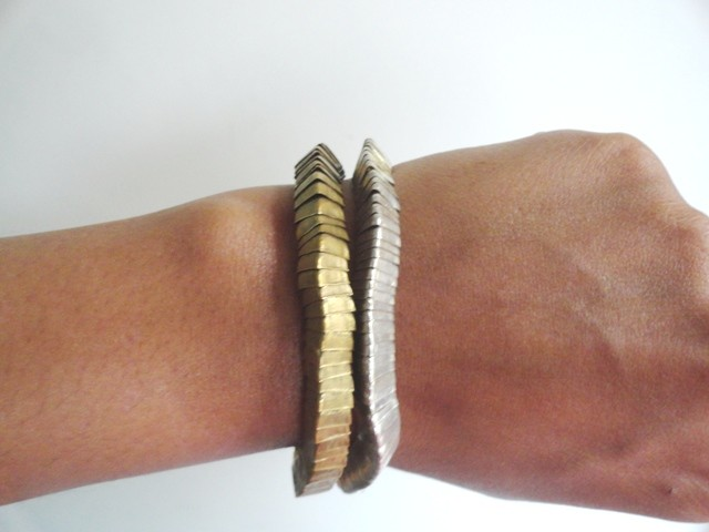 How to wear statement accessory - Gold and silver Bracelet