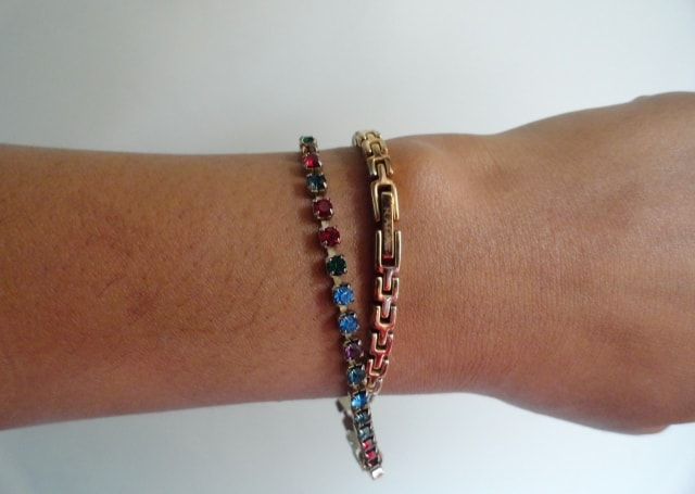 How to wear statement accessory - Stone Bracelet