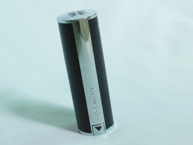 Givenchy Lipstick Irresistible Fuchsia Packaging