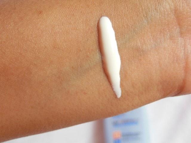 L'Oreal Paris Aqua  Essence UV Perfect SPF 30 Sunscreen Swatch