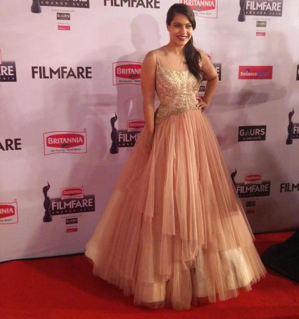Best Dressed at Filmfare Awards 2015 -Kajol