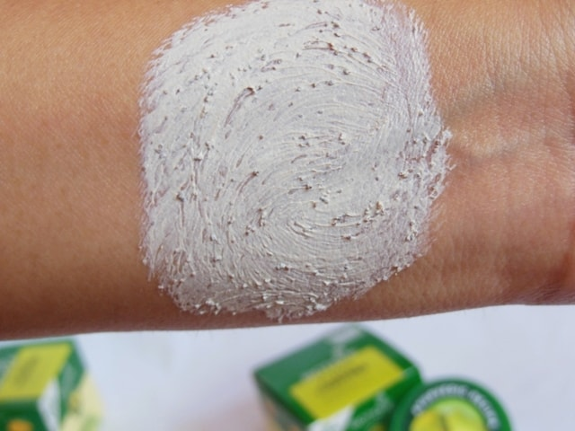 Biotique Papaya Tan removal Scrub Swatch