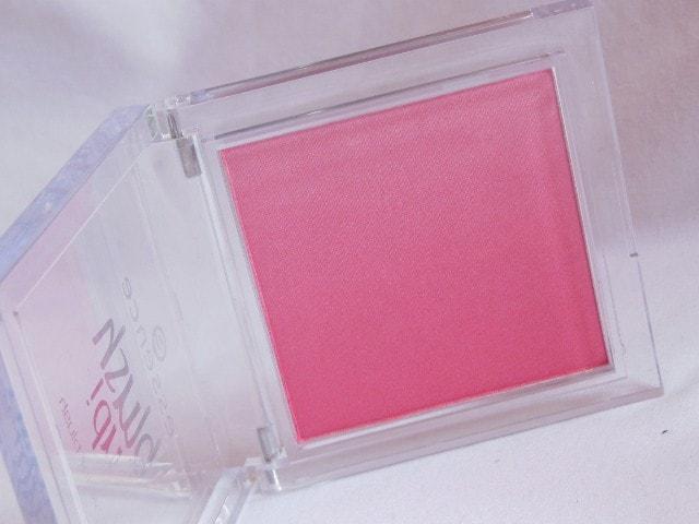 Essence Blush Up Pink Flow Powder Blush Packaging