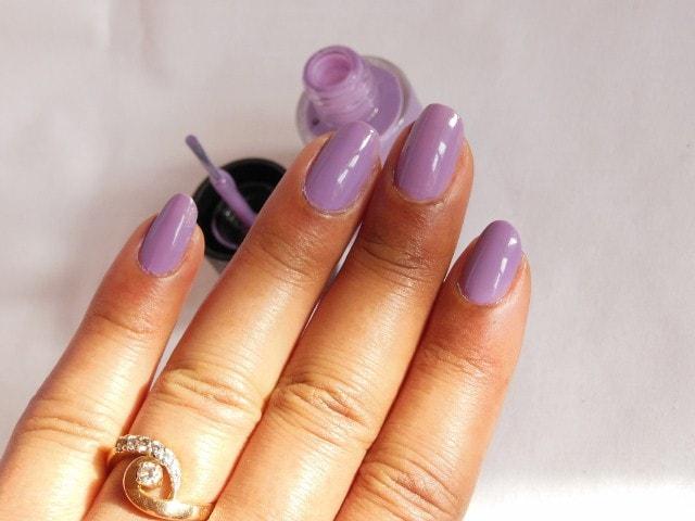 Maybelline Colorshow Nail Paint Blackcurrant Pop NOTD