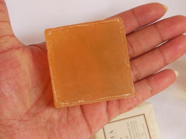 Kama Ayurveda Heal Revitalizing Transparent Soap Review