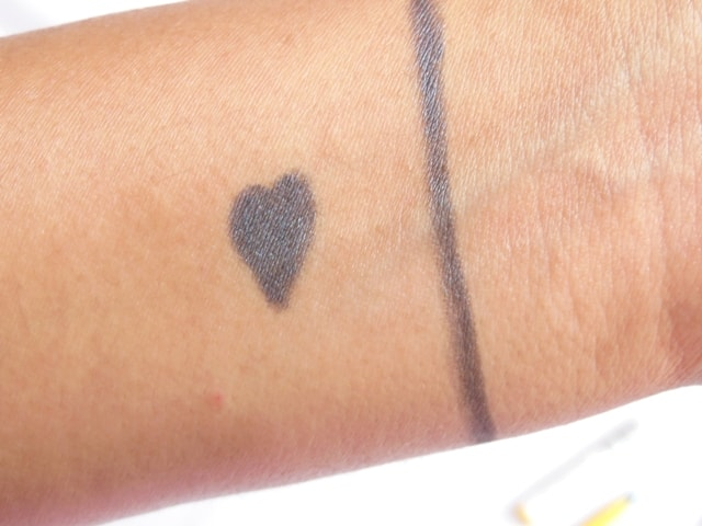 Maybelline Colossal Kohl Smoked Silver Swatch 2