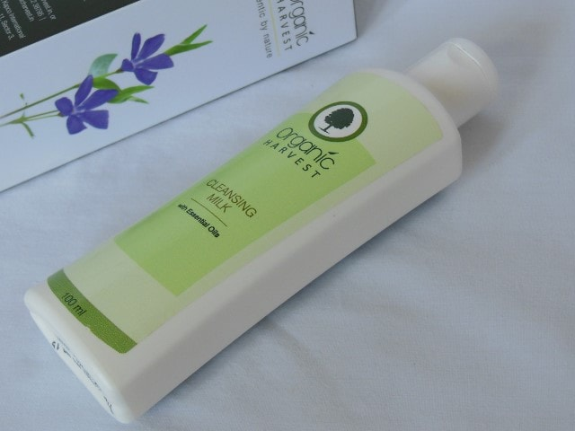 Organic Harvest Cleansing Milk Review