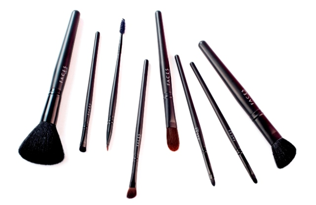 Makeup Brushes Brands in India- Faces