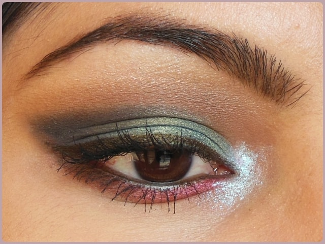 Peacock Blue Eye Look