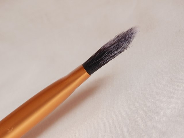 Real Techniques Core Collection - Pointed Foundation Brush Head
