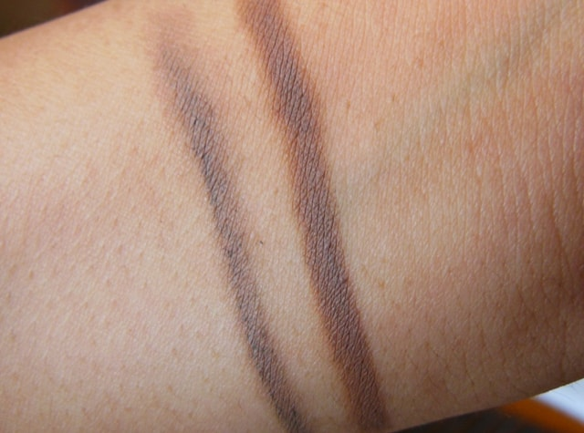 Maybelline Fashion brow Duo Shaper Brown Swatch