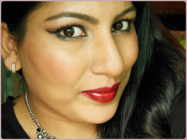 Revlon Superlustrous Blackberry Lipstick Face
