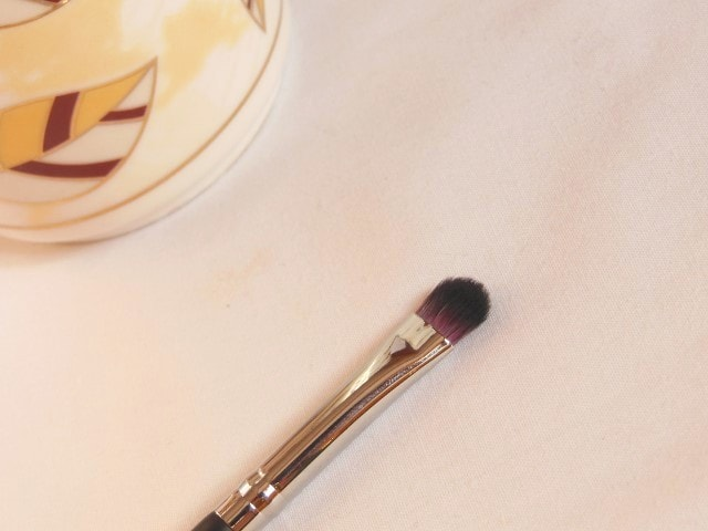 Sedona Lace Makeup Brush - Detailed Shader Brush EB 21 Review
