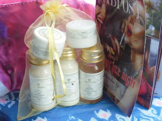 December Fab Bag 2015- Just Herbs Skincare Kit
