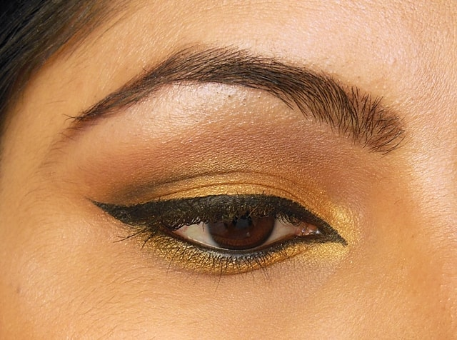 Luxie Beauty Gold Eye Shadow EOTD 1