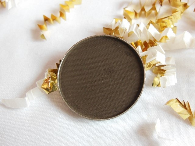 Luxie Beauty Powder Eye Shadow 104 Review