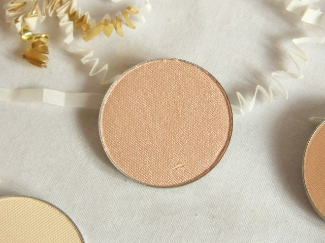 Luxie Neutral Powder Eye Shadow 300 Review