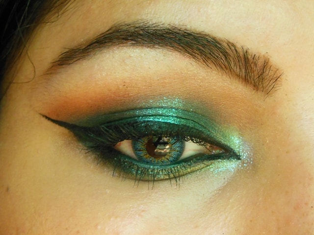 Shimmery Blue Eye Makeup