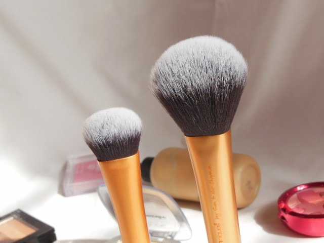 Real Techniques Powder Brush and Expert Face Brush Comparison