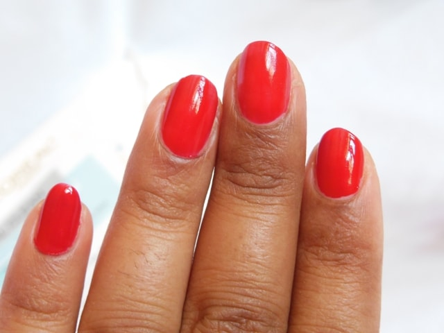 Maybelline Big Apple Reds Color Show Nail Paint - Paint The Town Red R1 Nails