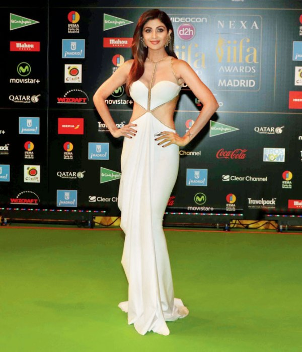 5 Worst Dressed Celebrities at IIFA Awards 2016 - Shilpa Shetty 1