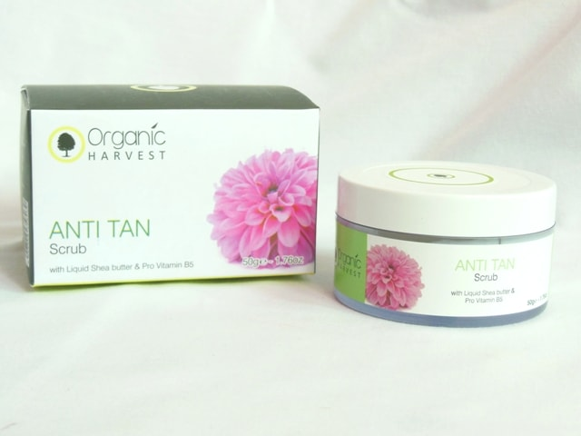 Organic Harvest Anti Tan Scrub with Shea butter and Vitamin B5