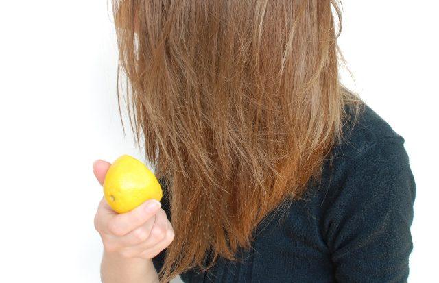 6 Hair Hacks Every Girl Must Know- DIY Highlights
