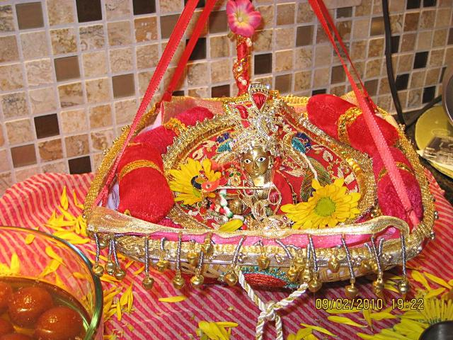 Best Ways to Celebrate Krishna Janmashtami