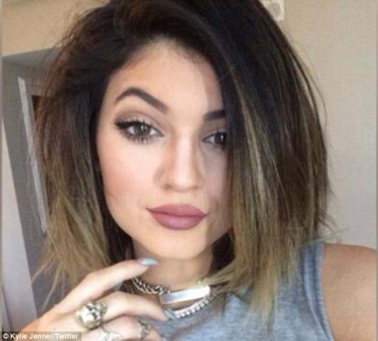 Top 10 Affordable drugstore dupes of Kylie Jenner Lip Shades in India- Dusty Rose Lip Shade