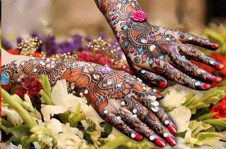 15-best-karwa-chauth-mehendi-designs-glittery-mehendi-designs-3