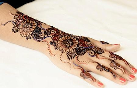 15-best-karwa-chauth-mehendi-designs-glittery-mehendi-designs