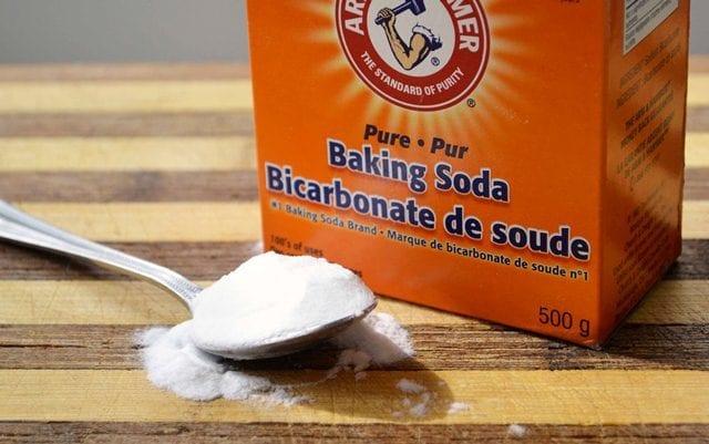 Best Natural Home Remedies to Lighten Dark Underarms - Baking Soda