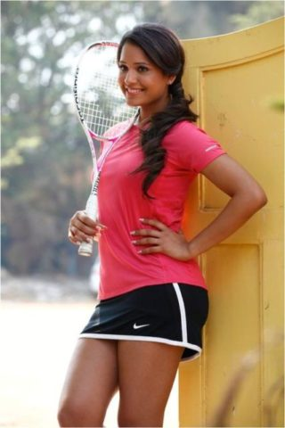 Top 10 Most Stylish Sportswomen of India - Dipika Pillai, Squash