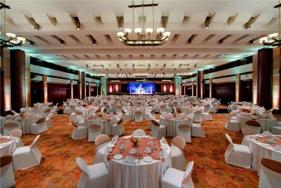 Top 10 Themed Wedding Destinations in India - Jaypee palace hotel