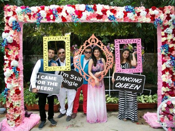 10-best-photobooth-inspirations-for-wedding-celebrations-frames-and-quotes