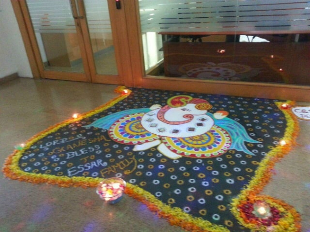 best-ganesha-rangoli-designs-ganpati-rangoli-for-office-with-stones