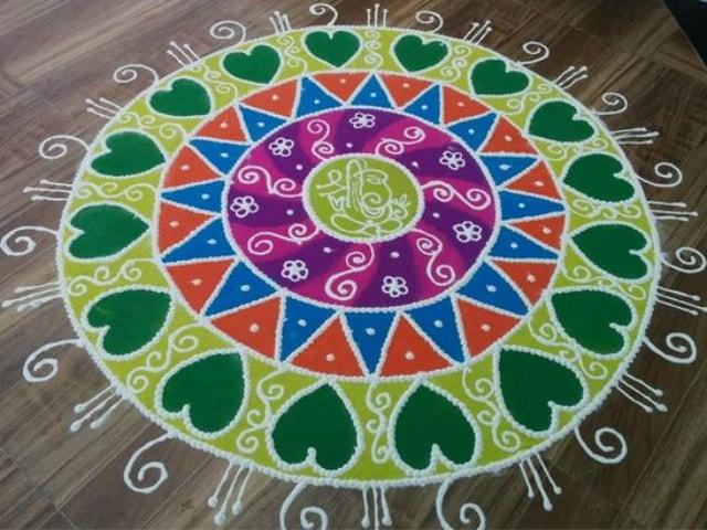 best-rangoli-designs-for-beginners-small-flower-rangoli-design-pattern-2016