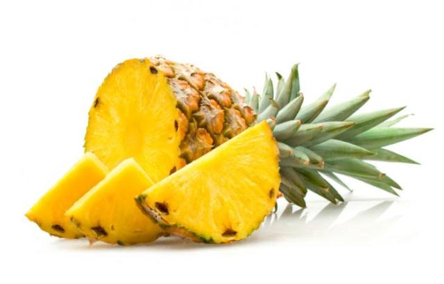 superfoods-to-lose-belly-fat-pineapple