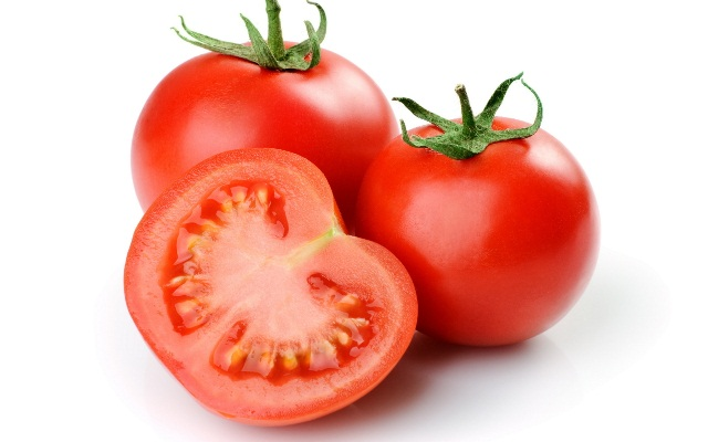 superfoods-to-lose-belly-fat-tomato