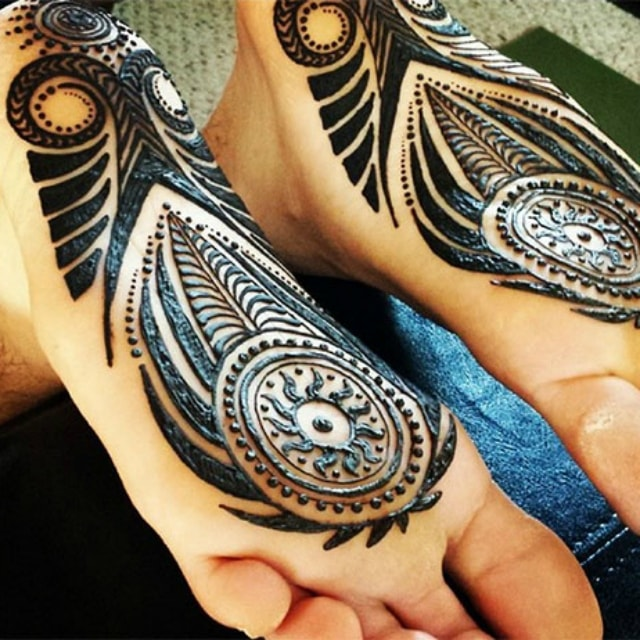 trending-henna-designs-for-feet-heena-design-for-soles-4
