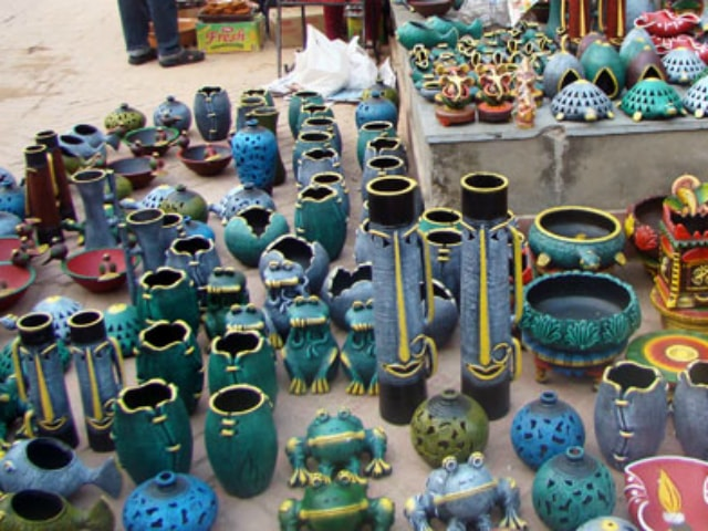 unique-diwali-gift-ideas-earthen-pottery