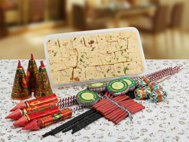 unique-diwali-gift-ideas-sweets-and-crackers-2