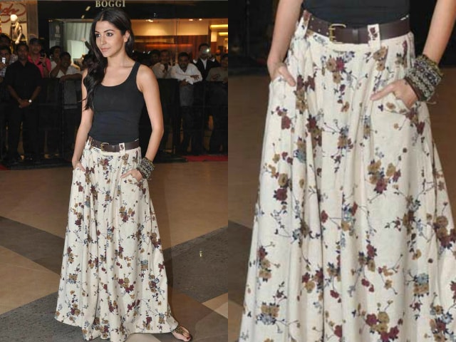 wardrobe-essentials-for-indian-brides-anushka-sharma-ethnic-skirt